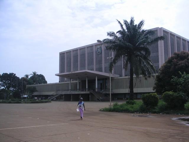 La prorogation du mandat des députés guinéens provoque le tollé sur internet